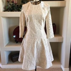 🎉Host Pick🎉Bebe frosty 3/4 lace fit and flare Bebe frosty 3/4 lace fit and flare, this dress is gorgeous! I'm so sad it doesn't fit me. Beautiful lace and girly silhouette, lined all throughout except for the sleeves. 91% nylon 9% spandex bebe Dresses