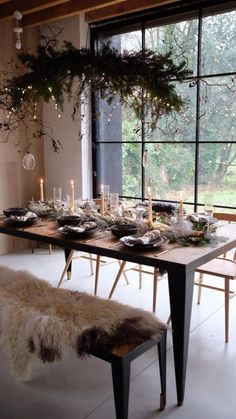 Modern Rustic Christmas Tablescape Decorations Ideas - Hygge For Home