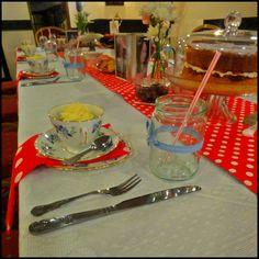 vintage tea party for a hen party: Vintage china table setting Tea Party Theme, Party Themes, Vintage China, Vintage Tea, Color Themes, 1950s, Table Settings, Table Decorations, Table Top Decorations
