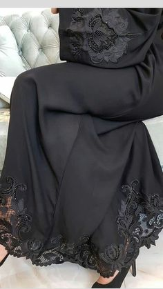 Printer Projects New York Funny Harry Potter Info: 6739866313 Moslem Fashion, Niqab Fashion, Fashion Dresses, Estilo Abaya, Modern Abaya, Black Abaya, New Yorker Mode, Arab Girls Hijab, Iranian Women Fashion