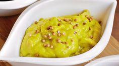 Chcesz zaskoczyć swoich przyjaciół? Przygotuj im znakomity sos orientalny. Lista zakupów: śmietana, miód, kurkuma.