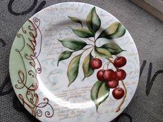 Platos Funnel Cake cookies n cream funnel cake disney Pottery Painting, Ceramic Painting, Ceramic Art, Ceramic Plates, Porcelain Ceramics, Pebeo Paint, Engraved Plates, Plate Art, China Painting