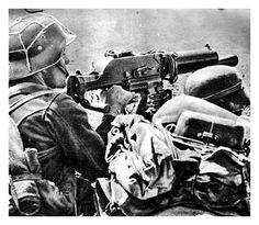 Hungarian Machine-gun Operator, 1943 Eastern Front Ww2, Warring States Period, Germany Ww2, German Uniforms, Defence Force, Korean War, Vietnam War, World War I, Armed Forces