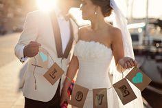Wedding photo idea/ Photo by 2brides
