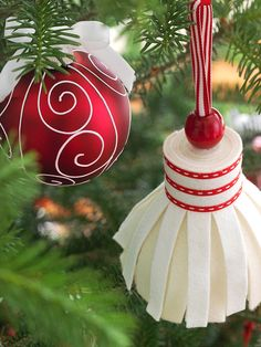 Easy Tassel Ornament @Better Homes and Gardens: With just a few scissor snips and a little bit of glue, you can make one of these stylish tassel ornaments. The simple design means you could easily make a dozen to sprinkle across the branches of your Christmas tree.