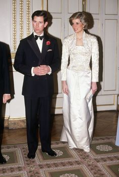 PARIS - NOVEMBER: Prince Charles and Diana Princess of Wales meet guests arriving at a dinner in the Elysee Palace in Paris, France in November 1988, during the Royal Tour of France. Diana wore a dress designed by Victor Edelstein. (Photo by David Levenson/Getty Images) via @AOL_Lifestyle Read more: https://www.aol.com/article/entertainment/2017/03/30/old-photos-princess-diana-prince-charles-viral/22019148/?a_dgi=aolshare_pinterest#fullscreen
