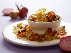Chips af rodfrugter er nemme at lave og sundere end almindelige chips. Og så smager de skønt.