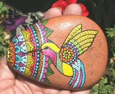 Painted Rock Ideas - Do you need rock painting ideas for spreading rocks around your neighborhood or the Kindness Rocks Project? Here's some inspiration with my best tips! Pebble Painting, Dot Painting, Pebble Art, Stone Painting, Painted Rock Cactus, Painted Rocks Craft, Painted Pebbles, Hand Painted, Stone Crafts