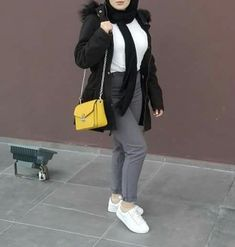 Modern Hijab Fashion, Street Hijab Fashion, Hijab Fashion Inspiration, Muslim Fashion, Mode Inspiration, Blazer Outfits Casual, Hijab Casual, Hijab Chic, Hijab Outfit