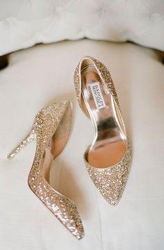 glittery sparkly Badgley Mischka gold pumps / http://www.deerpearlflowers.com/glitter-wedding-ideas-and-themes/