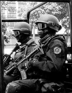 POLÍCIA MILITAR ESTADO DO RIO DE JANEIRO -  BOPE - Batalhão de Operações Policiais Especiais  https://www.facebook.com/OperacoesEspeciaisRJ
