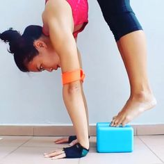 (Yoga block and infinity strap)Great strengthening tip from @sara53a