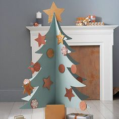 Cardboard christmas tree diy navidad 55 Ideas for 2019 Recycled Christmas Tree, Cardboard Christmas Tree, Unique Christmas Trees, Alternative Christmas Tree, Noel Christmas, Xmas Tree, Christmas Tree Decorations, Simple Christmas, White Christmas