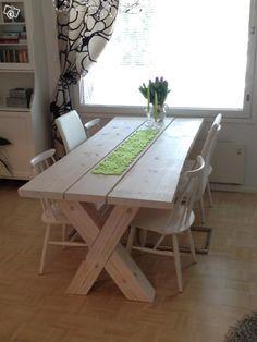Käsintehty, valkoiseksi vahattu massiivimäntyinen lankkupöytä. Koko 210x90x75cm. Lankut vahvat, noin 50mm. Jalat tukevasta hirrestä. Ympärille ruokailemaan mahtuu 6-8 henkeä. Yksilöllinen ruokapöytä sisustusta viimeistelemään!HUOM! Vastaavanlaisia pö... Dining Room, Dining Table, Kitchen, Inspiration, Furniture, Home Decor, Eggs, Creative, Biblical Inspiration