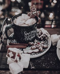 merry christmas 106 days till Christmas Q:Gingerbread or marshmallows ~ Thank you so much for ~ PHOTO CREDITS Days Till Christmas, Christmas Mood, Merry Little Christmas, Noel Christmas, Christmas Coffee, Christmas Cookies, Christmas Gingerbread, Christmas Morning, Merry Xmas