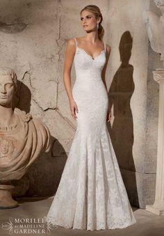 Brautkleider 2015: Die schönsten Modelle für den Frühling Image: 5