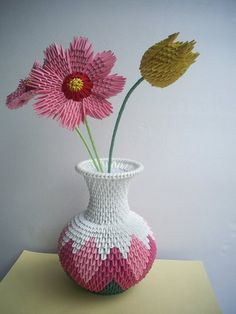 Origami - Round Vase with Flowers // can I make this it of crochet? Paper Hearts Origami, Instruções Origami, Origami Swan, Origami Artist, Origami And Quilling, Origami Paper Art, Origami Fish, Origami Folding, Origami Flowers