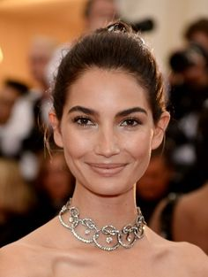 Lily Aldridge | The 30 Most Dazzling Beauty Looks At The Met Gala