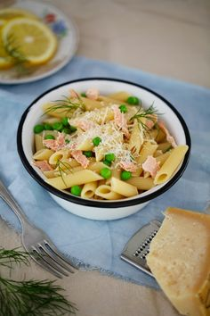 Folic Acid rich food - Pasta with salmon and peas by @Zuckerzimtundliebe Jeanny, #sistermag9 #maternity section