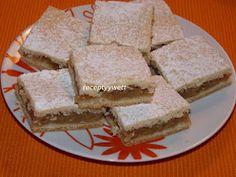 receptyywett : Babkin jablkový koláč Apple Cake, Cornbread, Vanilla Cake, Food And Drink, Pie, Cheese, Baking, Ethnic Recipes, Sweet