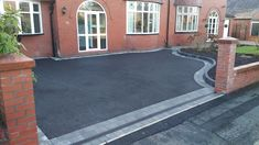 tarmac driveway with tegula block borders in sale manchster Block Paving Driveway, Resin Driveway, Brick Driveway, Asphalt Driveway, Driveway Design, Driveway Entrance, Front Garden Ideas Driveway, Driveway Landscaping, Tarmac Drives