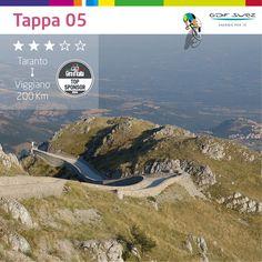 Oggi si arriva a Viggiano e iniziano le prime montagne. Ci sarà ancora un arrivo in volata? #Giro