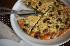 Quiche de cogumelos e atum Mashroom and tuna quiche Tuna Quiche, Sem Lactose, Zucchini, Pizza, Favorite Recipes, Cheese, Vegetables, Breakfast, Quiches
