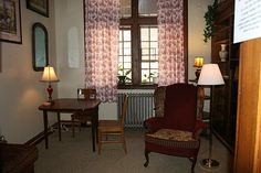 Kathryn's Study (named for Kathryn Tucker Windham), Houghton Memorial Library, Huntingdon College. Photography by Su Ofe. Huntingdon College, College Board, Study, Ghosts, Reading, Books, Photography, Studio, Libros