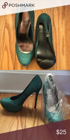 BAKERS pumps Gentle used (worn twice) heels. Perfect for making a statement at any occasion! Include the no slip grip on the bottom. Kept in the bags to preserve the long wear of the heels. Bakers Shoes Platforms
