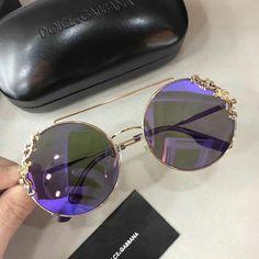 1 / 2 😏😏😏😏 by fifi Summer Sunglasses, Stylish Sunglasses, Cute Glasses, Glasses Frames, Lunette Style, Fashion Eye Glasses, Mode Style, Women's Accessories, Eyeglasses