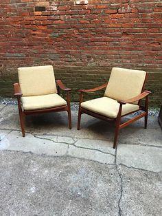 Pair Finn Juhl FD133 Spade Chairs: click to enlarge