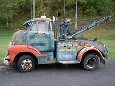 vintage COE Cab Over Engine wrecker truck