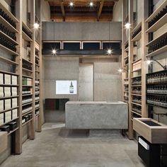 @aesopskincare can do no wrong. Osaka store. #minimalism #aesop #interiordesign #architecture #shopfitout #retaildesign #timber #concrete