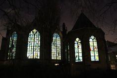 Bijzondere glazen van de Sint Janskerk  - De dag na kaarsjesavond 2013 was het tijd voor de eerste editie van Candlelight Shopping in Gouda. Geniet van Gouda in kerstsfeer.