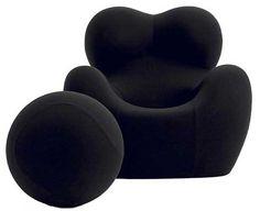 Кресло. UP серии, разработанно в 1969 году авангардным итальянским архитектором Гаэтано Пеше. Up изготовлено из пенополиуретана и покрыто тканью на выбор.   Up5 Chair and its Ball-Shaped Ottoman