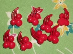 Deco cherry buttons NOS 3 4th in long