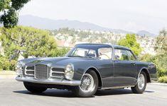 Présentée au salon de Paris en octobre 1961, la Facel II reçoit un accueil enthousiaste. Avec une pointe de vitesse à 240 km/h, elle demeure, au début des années soixante, le coupé le plus rapide au monde.