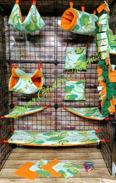 Check out this item in my Etsy shop https://www.etsy.com/listing/547170935/frogs-13-piece-sugar-glider-cage-set