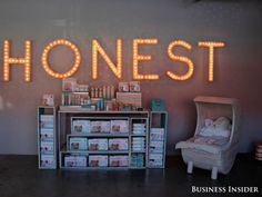 Go Inside The Gorgeous Offices Of Jessica Alba's Billion-Dollar Diaper Company - Business Insider Office Interior Design, Office Interiors, Jessica Alba Honest Company, Thing 1, How To Influence People, Kids Up, The Office, Thats Not My, Vanity