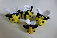 Crochet Bee, Baby Girl Crochet, Crochet Flowers, Crochet Toys, Crochet Jar Covers, Knitting Humor, Crochet Animals, Crochet Projects, Giraffe