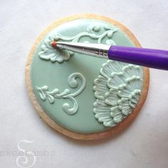 New Cookies Royal Icing Easter Brush Embroidery Ideas Mother's Day Cookies, Paint Cookies, Fancy Cookies, Iced Cookies, Cute Cookies, Royal Icing Cookies, Cupcake Cookies, Sugar Cookies, Owl Cookies