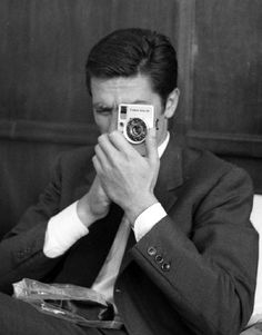 Alain Delon taking a photo of you. Mrs Susan Ansley Klok here in New Zealand Alain Delon, Selfies, Super Soldier, Star Wars, Most Beautiful Man, Beautiful People, How To Take Photos, Old Hollywood, Vintage Men