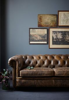 Outstanding Diy Sofa Design Ideas You Can Try 16 Home Living Room, Rustic Sofa, Sofa Design, Chesterfield Living Room, Sofa, Opulent Interiors, Vintage Leather Chesterfield Sofa, Diy Sofa, Chesterfield Sofa Living Room