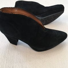 Earthies Shoes So cute and very comfortable Shoes. Can be worn with skirts or pants and jeans. Excellent condition. Black suede. Earthies Shoes Ankle Boots & Booties