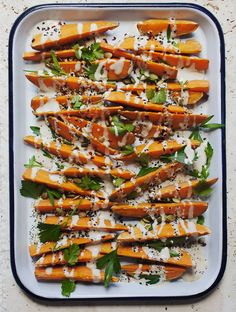 Sweet Potato Wedges with Tahini-Honey Sauce and Everything Bagel Spice - My New Roots. Great for a buffet. Side Dish Recipes, Veggie Recipes, Vegetarian Recipes, Side Dishes, Sauce Tahini, Recipes With Tahini Sauce, Galette Des Rois Recipe, Sweet Potato Wedges, Everything Bagel
