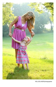 Gorgeous lighting, love mother-daughter images #family #kids