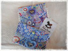 Bustine portacard in cotone..con applicazioni realizzate a crochet...