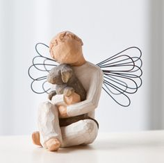 Angel of Comfort from WILLOW TREE by Susan Lordi. Sentiment: Offering an Embrace of Comfort and Love. Welcome back, Angel of Comfort. We've missed this s Pet Memorial Gifts, Dog Memorial, Memorial Ideas, Willow Tree Engel, Willow Tree Figuren, Ange Demon, Pet Loss, Collectible Figurines, Pet Memorials