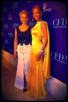 When I grow up I want to be like Carolina Herrera. Her style is sooo effortless.