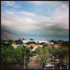 El día de hoy esta como para quedarse durmiendo.....  #pickoftheday #bestoftheday #home #venezuela